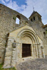 Clocher de Montchauvet, village préféré des Français? © CD78 / N. Duprey