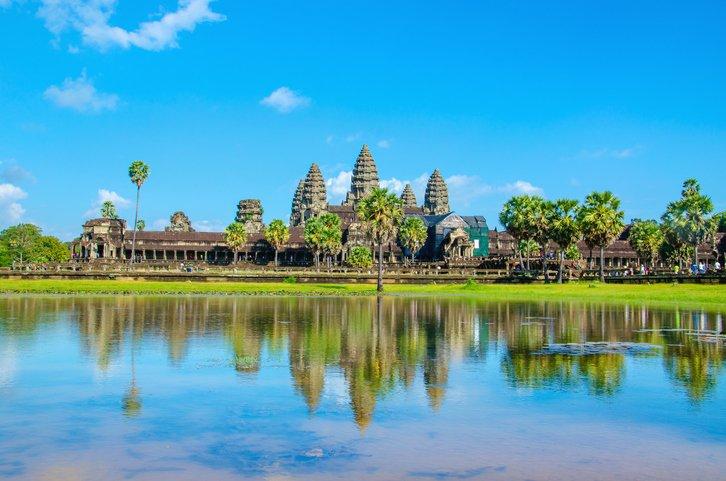 Temple Wat d'Angkor sur la rivière Siem Réap
