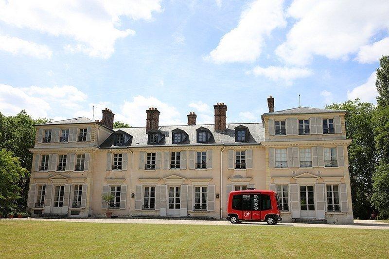 La navette autonome de Transdev au Domaine de Madame Elisabeth, à Versailles