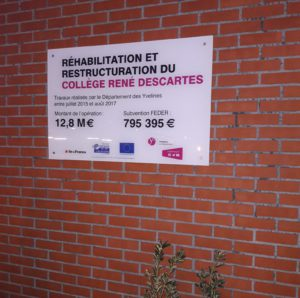 A Fontenay-le-Fleury, le collège René Descartes construit en 1969 a été rénové entre 2015 et 2017 pour un montant de 13 M€. L'inauguration s'est déroulée mardi 23 janvier 2018.