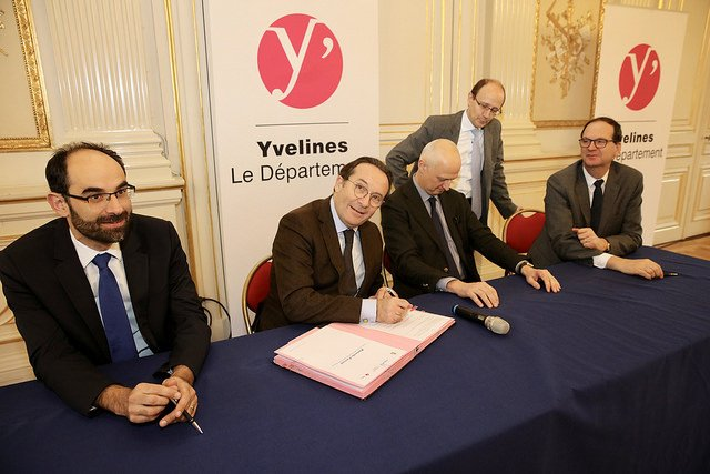 Armand Legros Président du Directoire des Résidences Yvelines Essone, Pierre Bédier,Christophe Caresche, Hervé Gay ( Directeur Général de CITALLIOS)