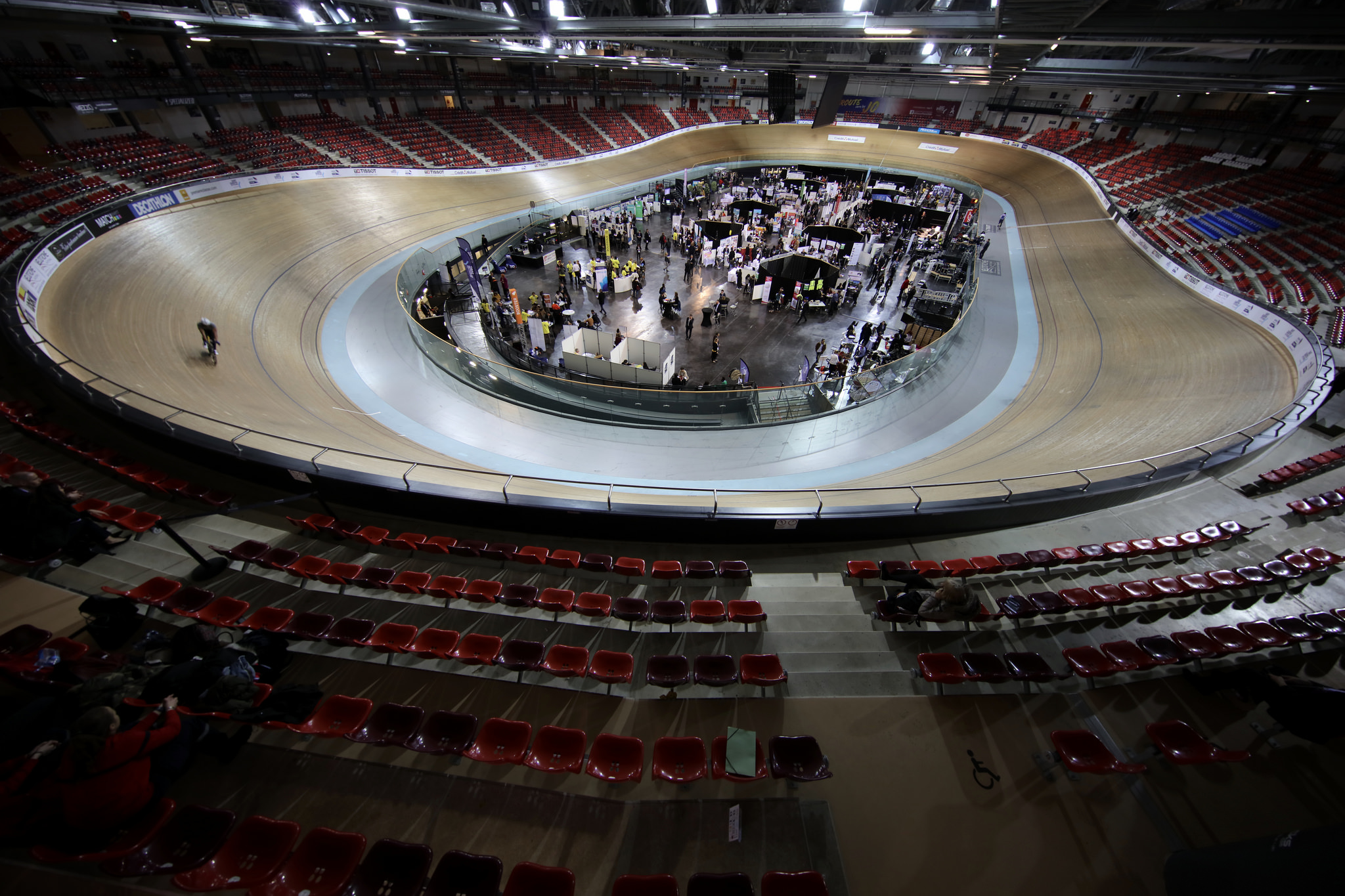 Le Vélodrome National : un équipement unique et prestigieux