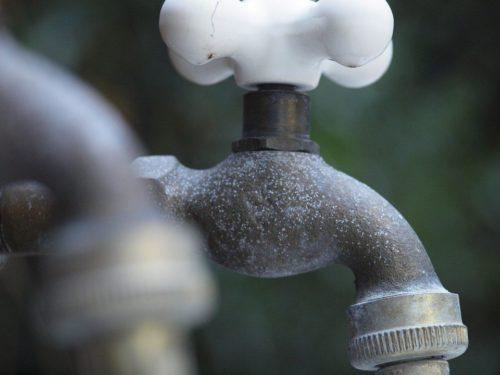 faucet-553340_960_720