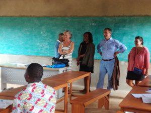 Nicole Bristol et Olivier De la Faire visitent un établissement financé par Les Yvelines