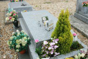 La tombe de Bourvil à Montainville © Wikimédia