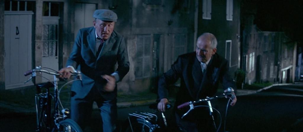 Bourvil et De Funès à vélo dans la Grande Vadrouille.