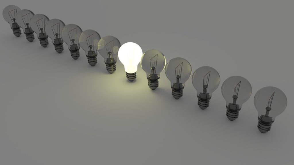 """La hausse des tarifs réglementés de l'électricité, la stagnation du pouvoir d'achat... Les écarts se creusent et 11,9% des français peinent à payer leurs factures d'énergie. Et si le dispositif """"Habiter Mieux"""" pouvait vous aider ?"""