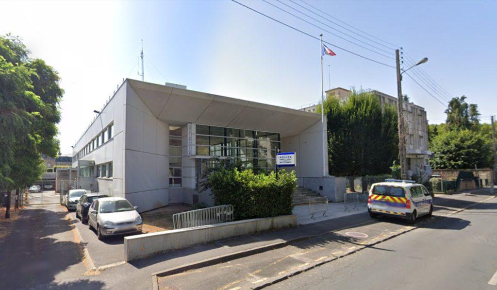 Rambouillet : Pierre Bédier réagit suite à l'assassinat d'une fonctionnaire de police / Google Street View